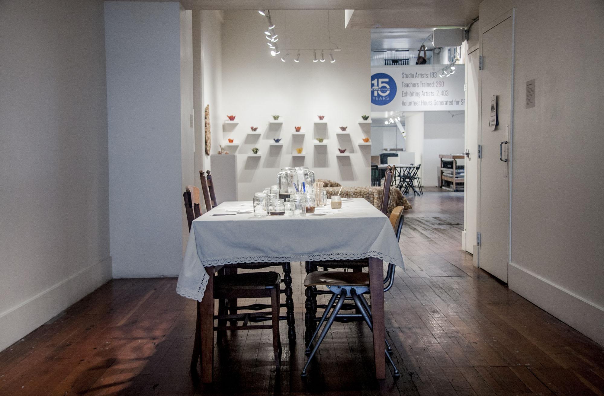 Café con Leche Conversation Residues, installation view