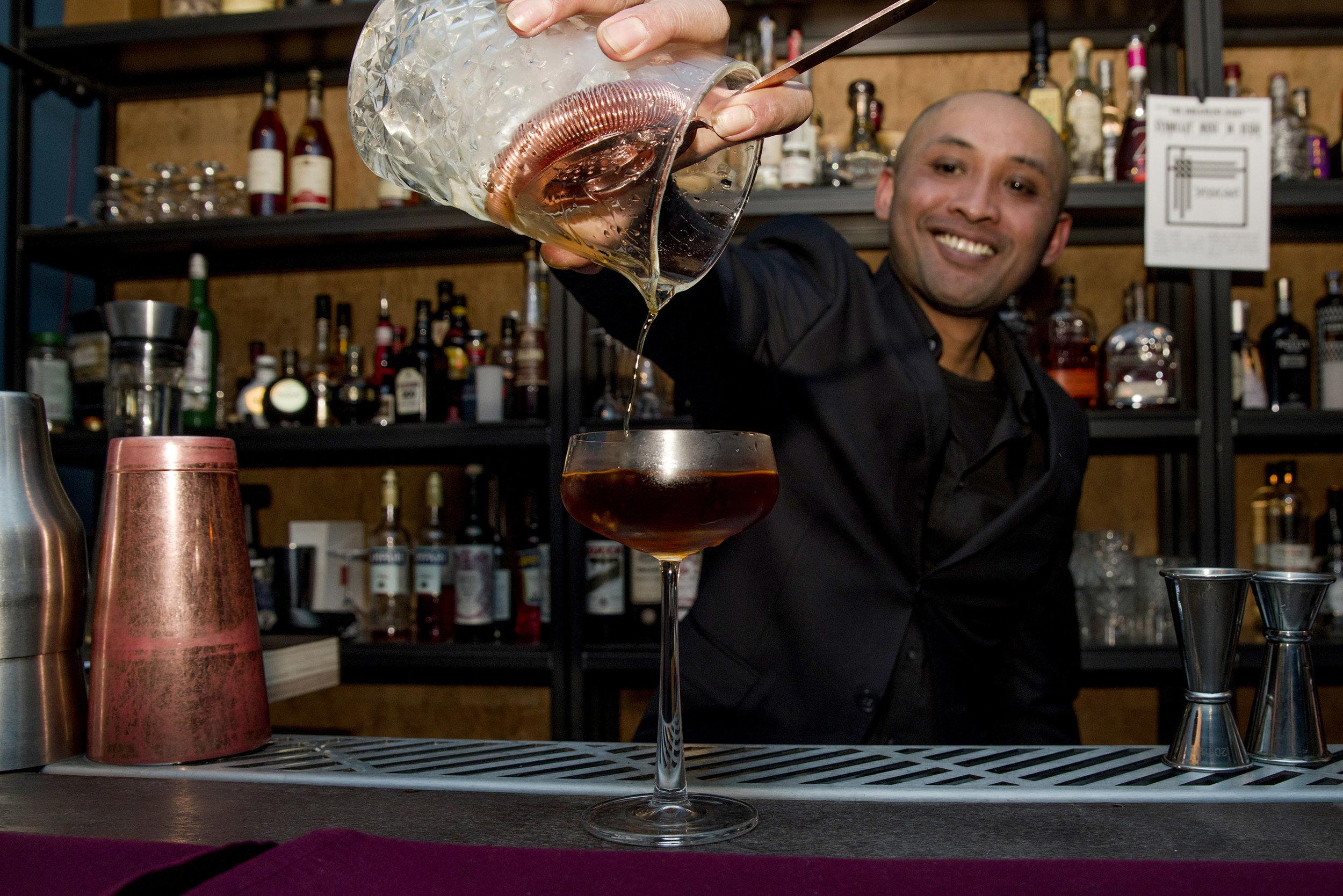Soe Bosari,  Cocktailbar The Hague Syndicaat   Foto:  Tom Brown