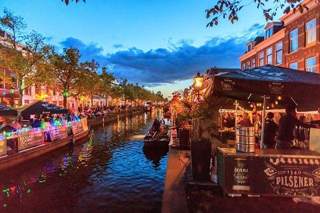 Driedaags muziekfestival Jazz in de Gracht van start in Den Haag.  Lees het volledige interview op onze website (link in bio). 📷 @caspercavado  #jazzindegracht2019 #denhaagcentrum #muziekliefhebbers #denhaagbinnenstad
