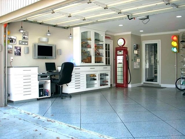 Looking for a #GarageMakeover? 😍🚗 #towsleyrenovations #house #home #exterior #renovations #reno #homerenos #windsorreno #yqgreno #yqgrenovations #windsor #tecumseh #lasalle #essex #amherstburg #lakeshore