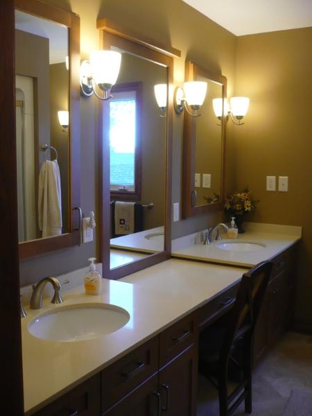 06 Bathroom.jpg