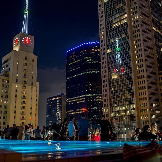 Thinking about a wonderful party? Let's do it! 🥂 For reservations and bottle service please email hello@waterproofdallas.com . . . . #yachtclub #rooftop #seeandbeseen #underthestars  #poolside  #alcohol #cocktails #drinkingtime #downtowndallas #dallas #singles #lifestyle #boozy  #friends #tipsy #happiness #bacheloretteparty #livemusic #birthdayparty #dallasevents