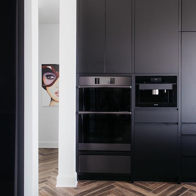 👓 Sneak Peak 👓 . . Stayed tuned 👌🏼 . 📷 @mullersphoto . #moderndesign #kitchen #interiordesign #kitchensofinstagram #newconstruction #kitchendesign #lagunabeach #california #art #tile #luxuryhomes #homedesign #instahome #interiorinspiration #luxurylifestyle #aiomaha