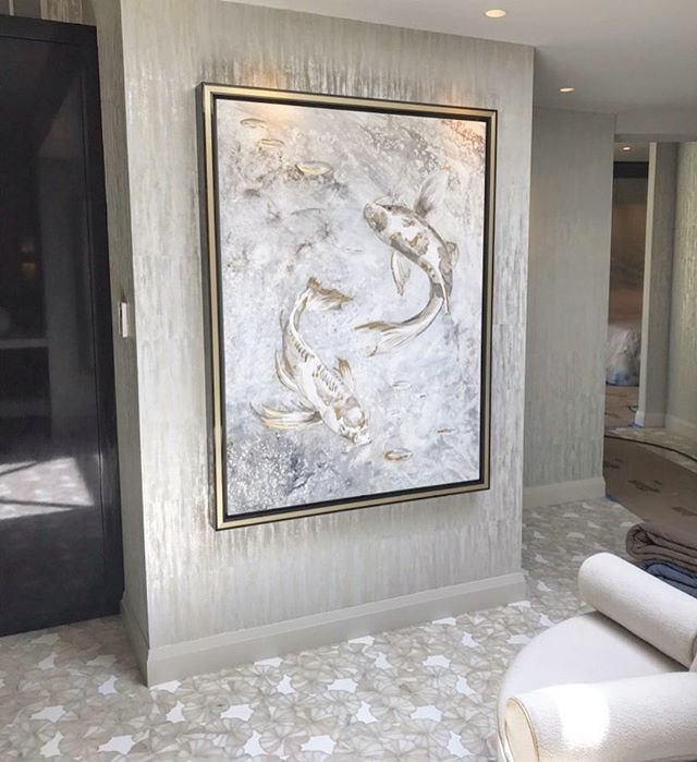 Custom Everything 🔲 We added this coy painting to our client's master bathroom and Patrick's #customdesign settee sits under a new skylight. We chose white onyx imported from Italy for the bathroom tile. 🇮🇹 #masterbathroom #denhamvitaliedesigns #custom