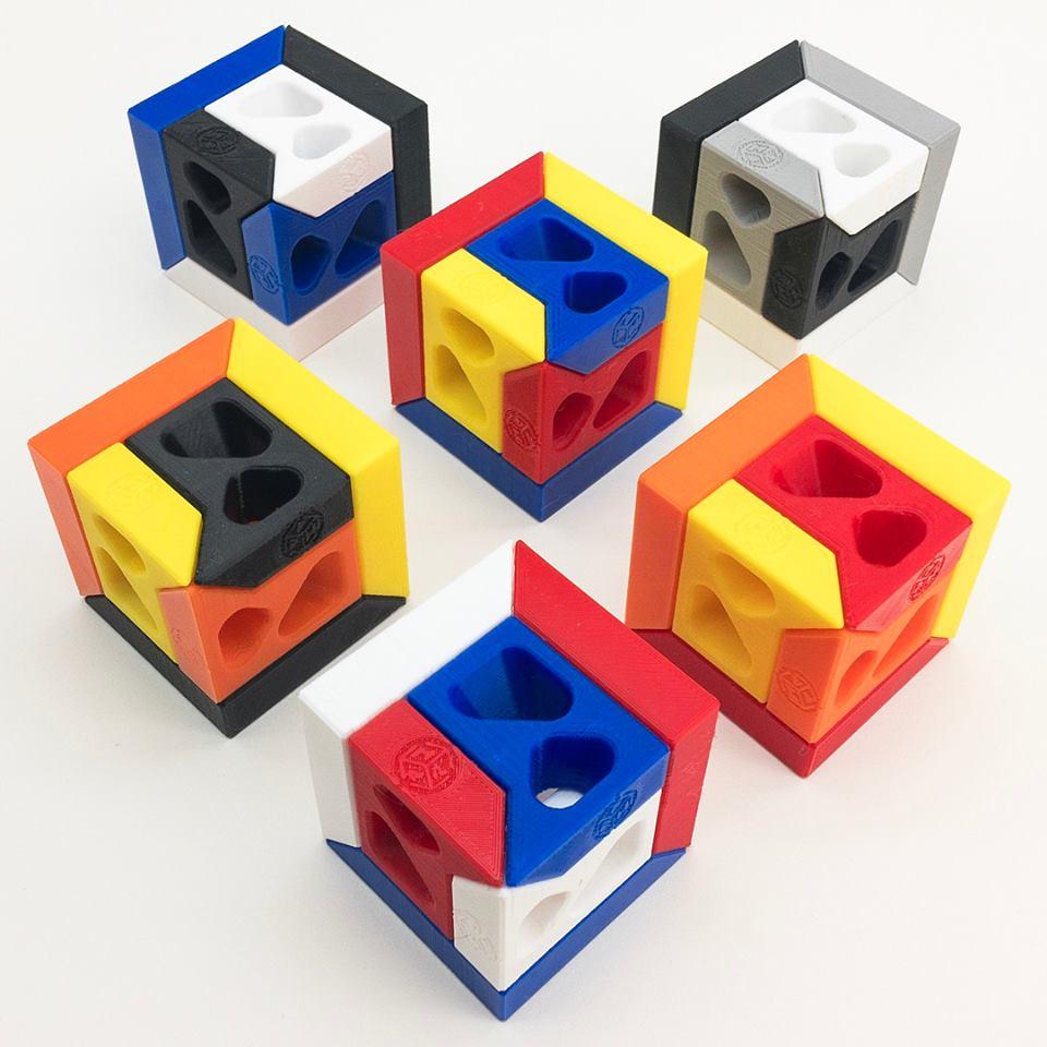 Pacific-Puzzleworks-Plastic-Slideways-Cube