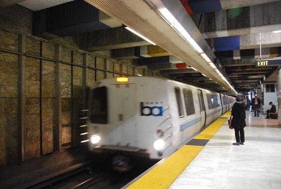 Photo of BART train entering Glen Park