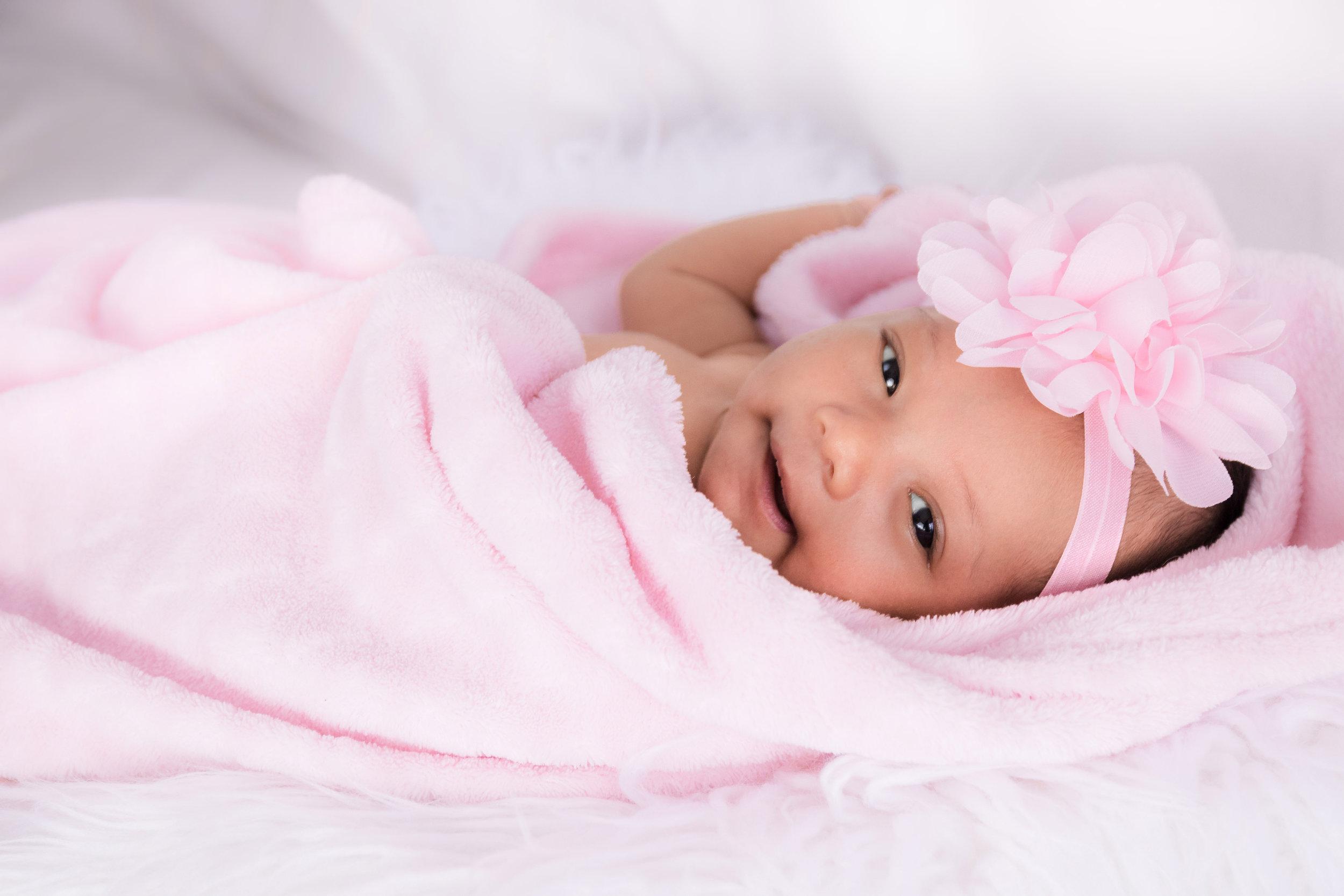 fotografía de recién nacido en Panamá.jpg