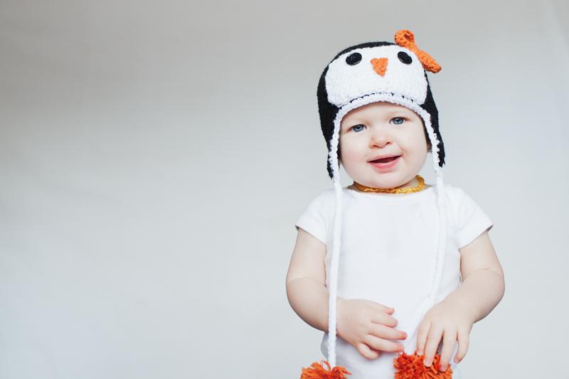 penguin crochet hat | lifestyle family photographer in bellingham, WA | visit www.jenfoxphotography.com