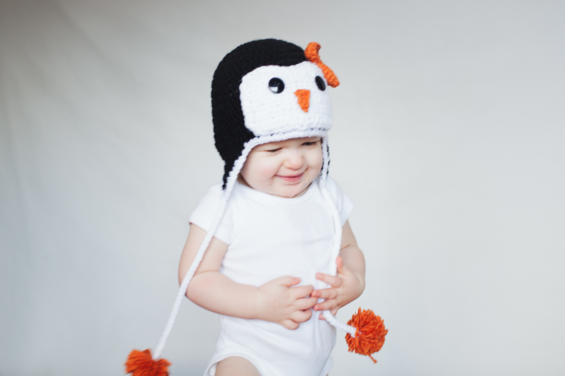 penguin crochet hat | lifestyle family photographer in bellingham, WA | visit www.jenfoxphotography.com