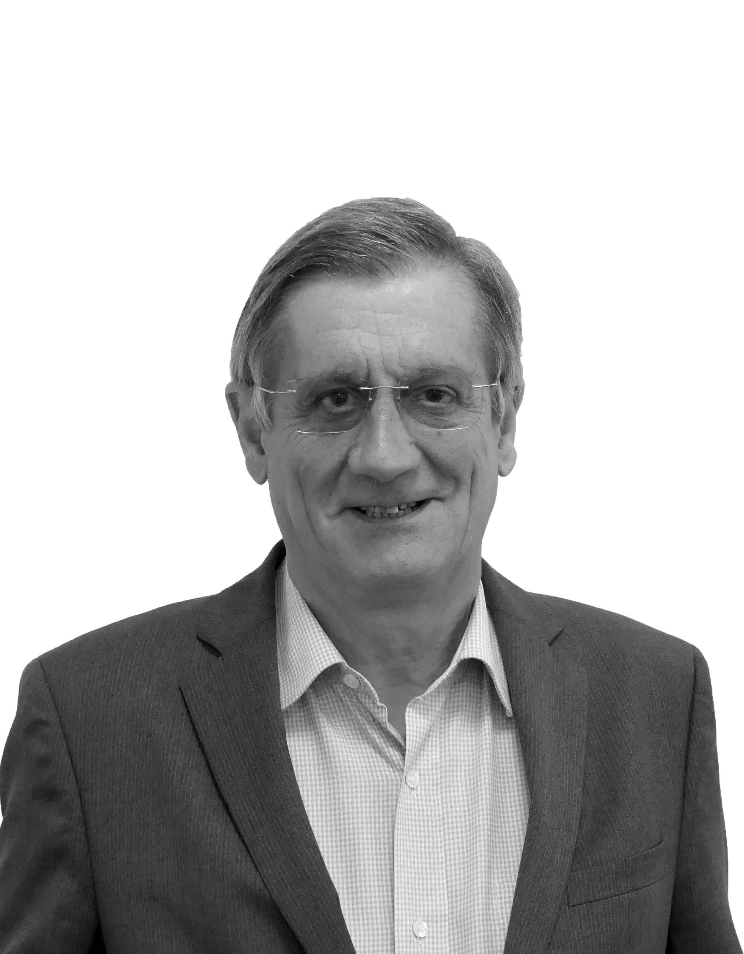PATRICK DE GIOVANNI   Directeur Associé Apax Partners Ancien Président de France Invest Président du Conseil de Surveillance