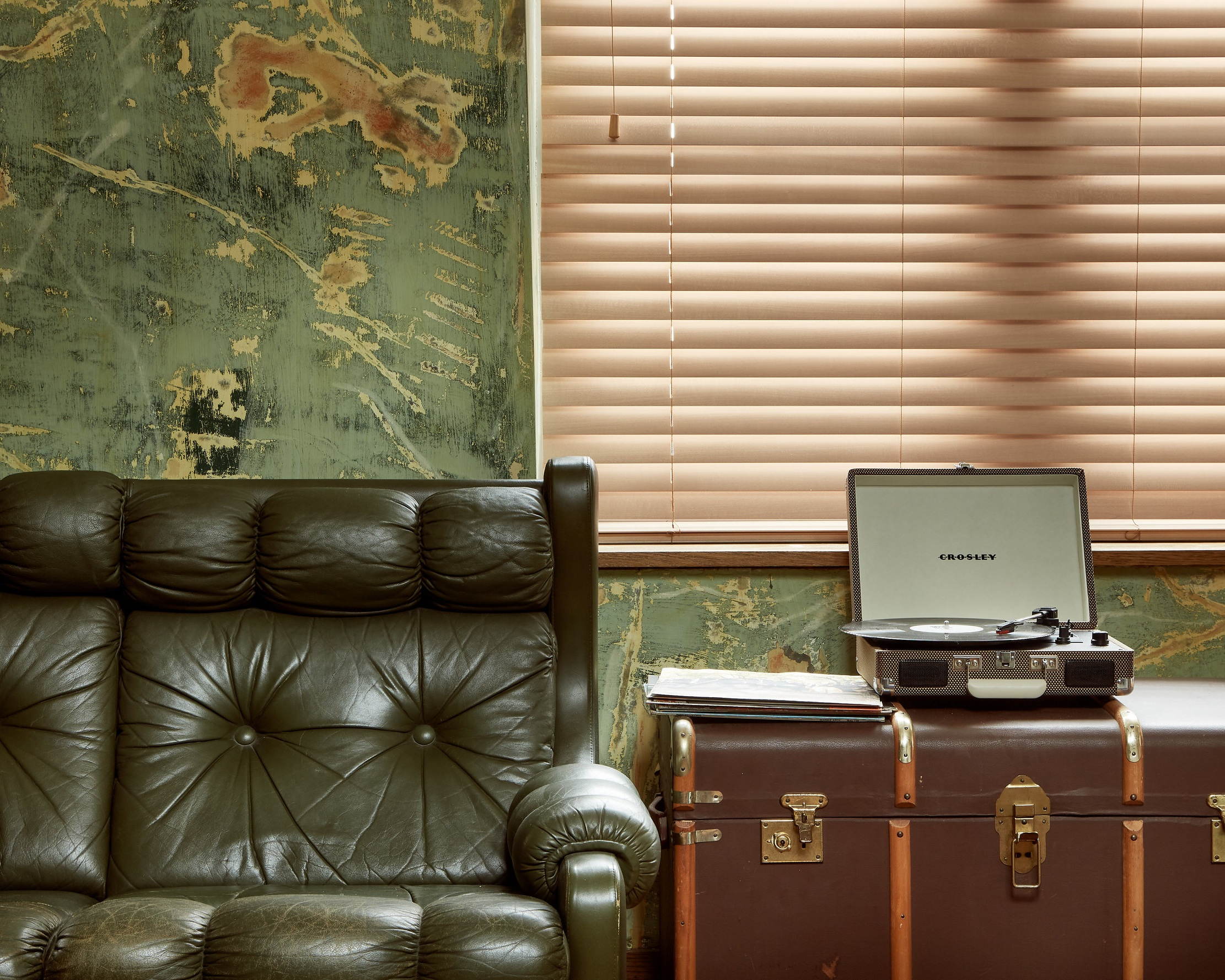 Wooden Venetian Blinds     Add beauty and elegance to your windows with our wooden venetian blinds.