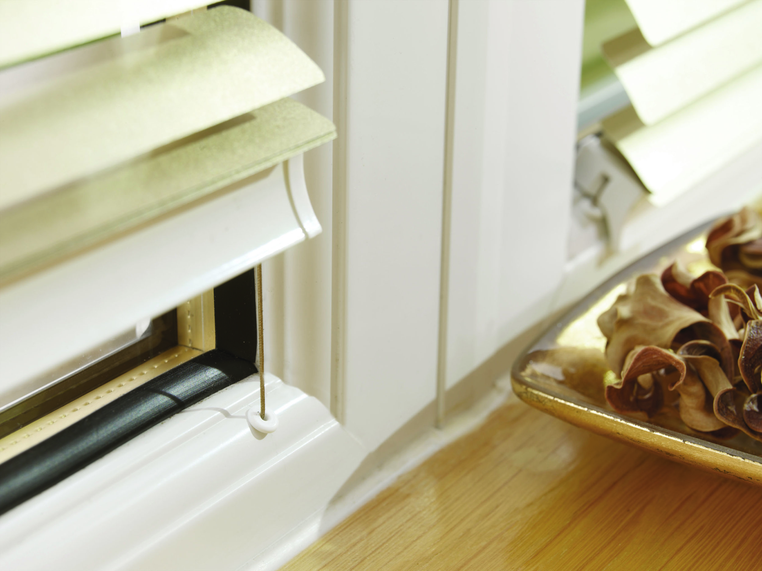 Bottomrail Closeup.jpg