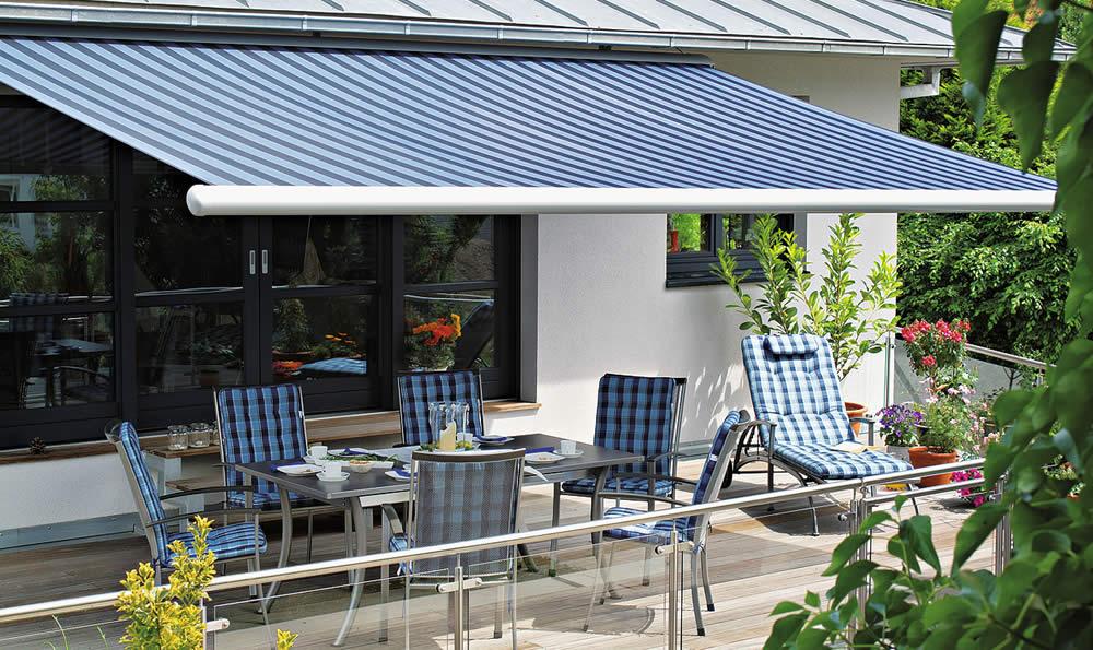 awnings-markilux-1500-blue-decking-tablet.jpg