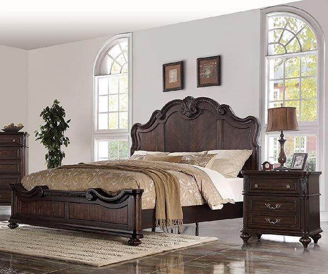 Is this not stylish?!🙊 #bernardsfurniture #bedroomsets #bedroomideas #bedroomgoals