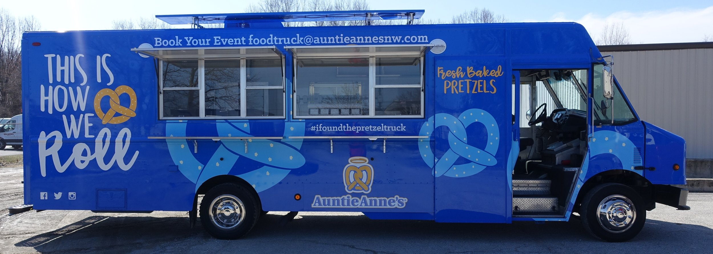 Auntie Anne's Pretzels   - Pretzels, Dips, Pretzel Dogs, LemonadeFind on FacebookTwitter: @anne_spoWebsite: http://www.auntieannes.comPhone: 425-774-3338Email: slesh@wvs.orgAvailable for cateringAlso serves in: Everett, Mount Vernon & Snohomish