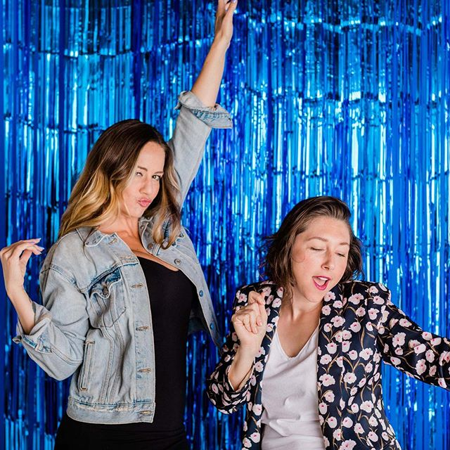 It's the Fuck Weddings Podcast IRL! 🍾 We have 3 LA workshop dates scheduled - and the first one is next week woo! (RSVP now, link in bio)  WHO SHOULD COME: Anyone who is engaged! Whether you're at the very beginning of the wedding planning process or finalizing details, we can help!  WHAT TO EXPECT: We will go through our general planning timelines and methods, and then apply these methods to wherever you are in the wedding planning process. Our chats are full of practical and actionable advice and the roundtable format means we can harness the experiences of everyone in attendance.  We'll have booze, light bites, and a chill AF atmosphere so you can really let your hair down.  WHERE: @gather.la  WHEN: AUGUST 24, 10:30AM SEPTEMBER 12, 6:30PM OCTOBER 10, 6:30PM  Link in bio yaaalllll!