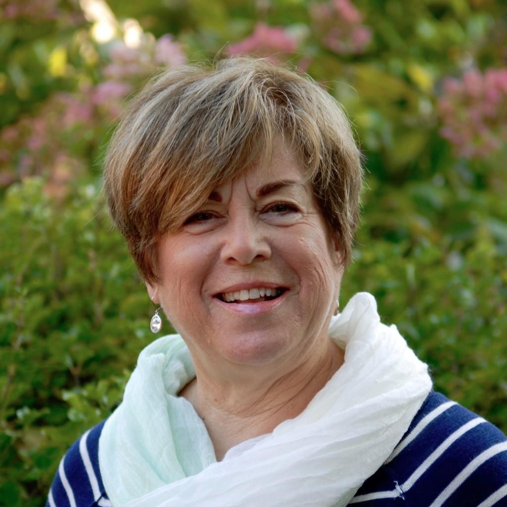 PAT MURPHY Co-Founder/Executive Vice President