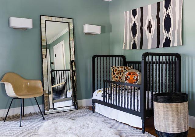 Totally chic toddler space... Design | @noelani_zervas * * * * * #interiordesign #interiorsphotography #designinspiration #interiorstyling #jessicadelaneyphotography #homedecor #styling #architect #thatsdarling #fromwhereistand #livebeautifully #mydomaine #housebeautiful #howihaven, #bhghome, #myhousebeautiful #design