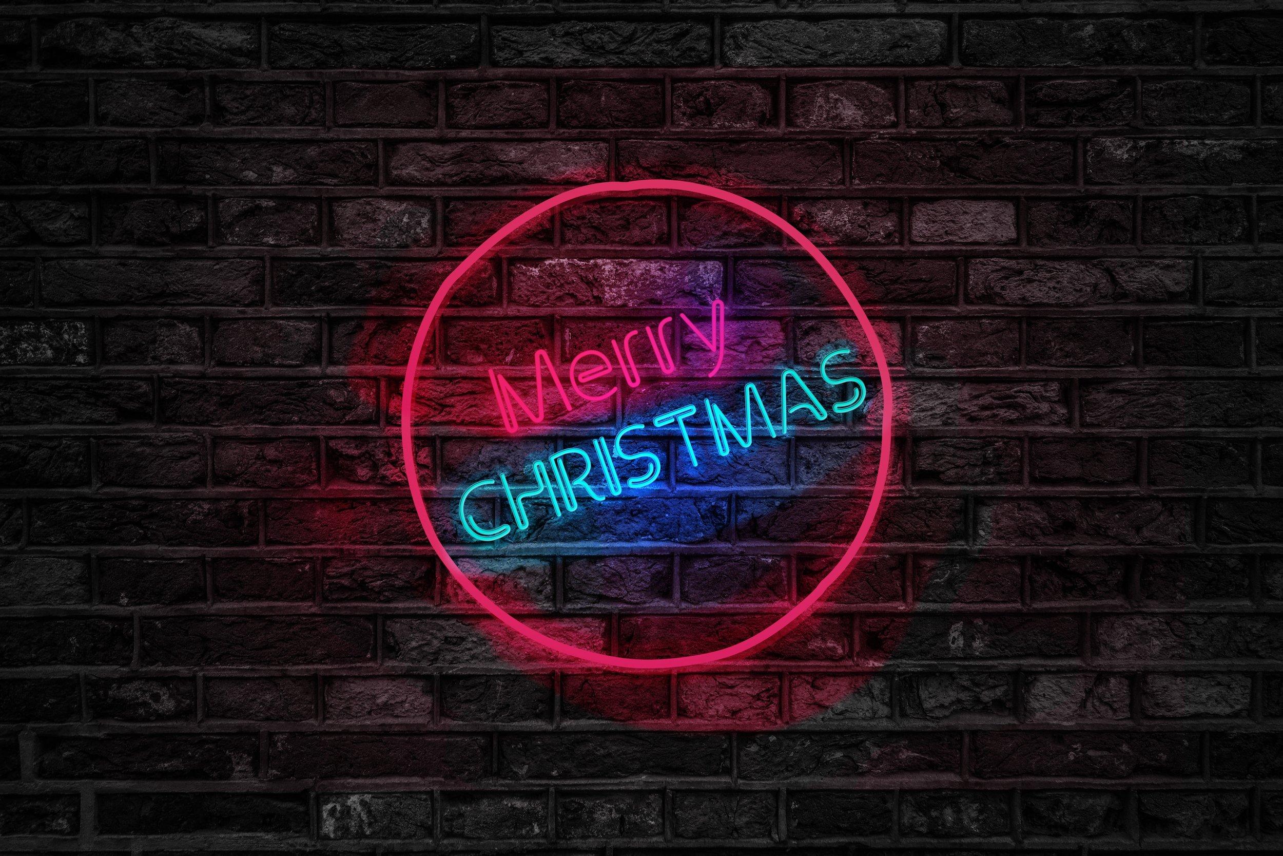 brick-wall-christmas-close-up-754430.jpg