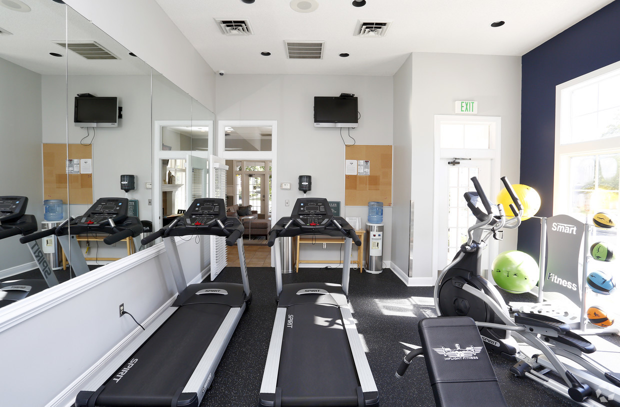 grande-reserve-at-geist-indianapolis-in-fitness-center (1).jpg