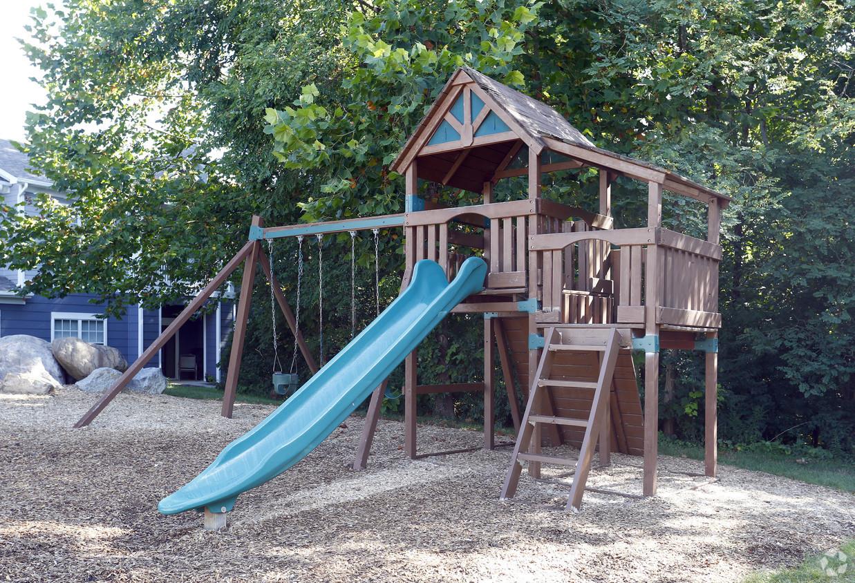 grande-reserve-at-geist-indianapolis-in-playground.jpg