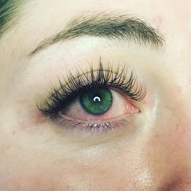 Lashes, Brows & Waxing -