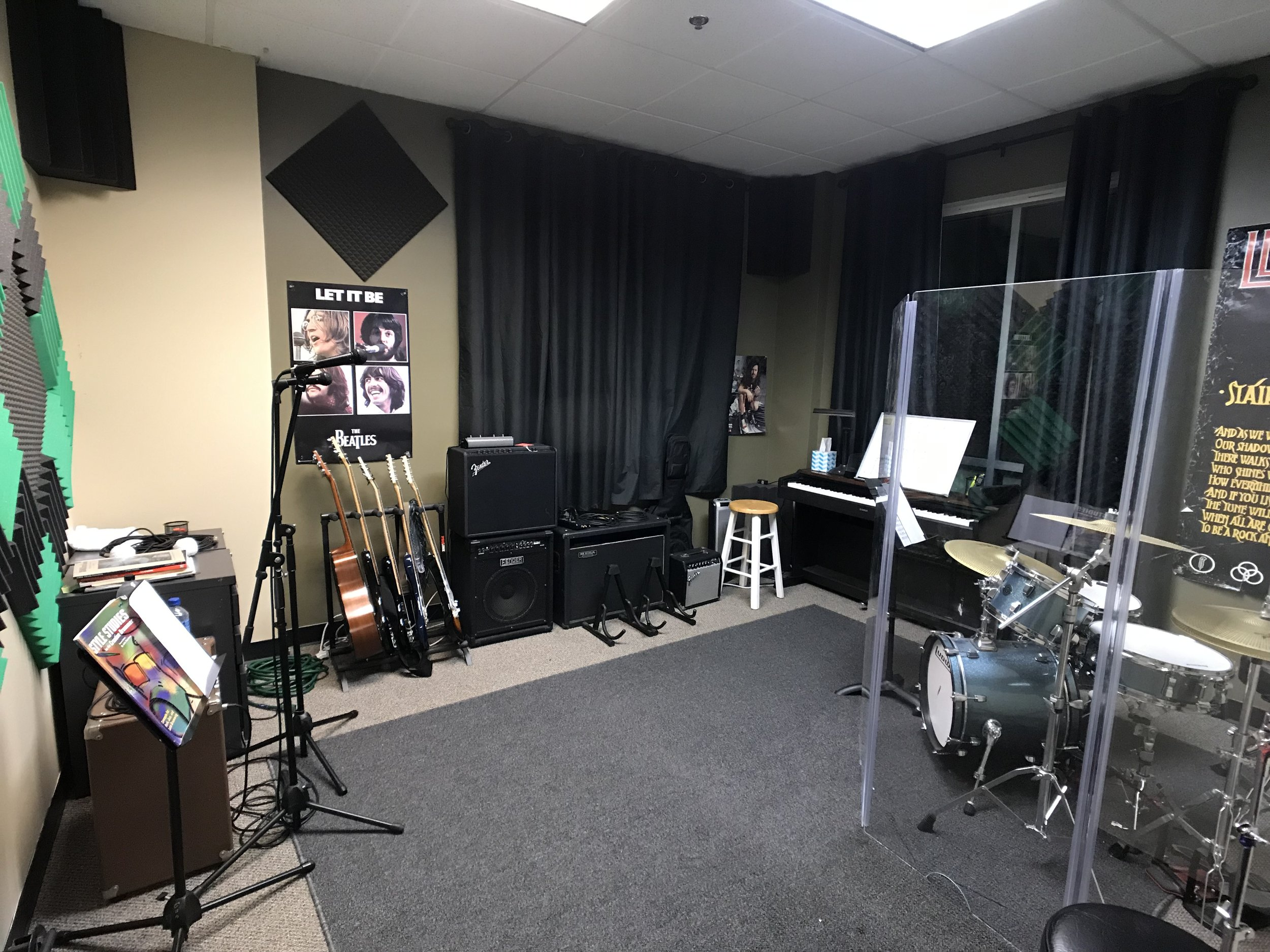 Let there be rock - Spacious teaching rooms equipped with top of the line gear.Avoid any distractions of home and the outside world where you can forget everything and focus on your music.