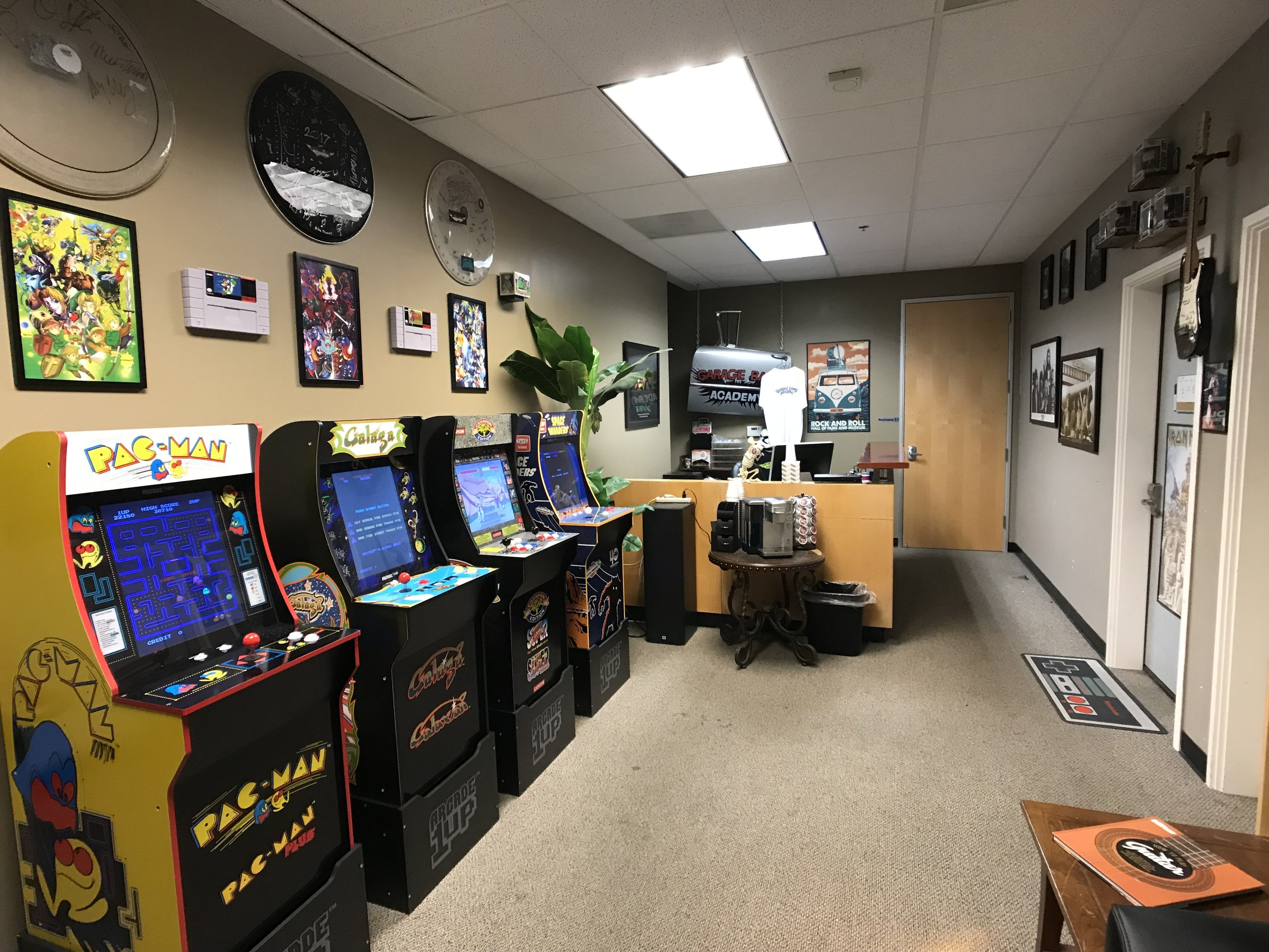 Entertainment around the clock - While you wait for you lesson or your ride…-Enjoy some coffee-Wifi-Our retro arcade