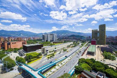 plaza-mayor-medellin-vsa-1.jpeg