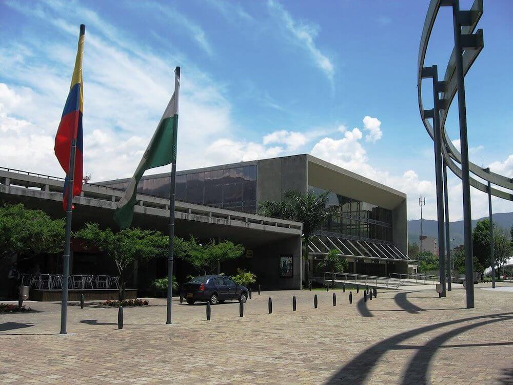 plaza-mayor-medellin_vape-south-america.jpg