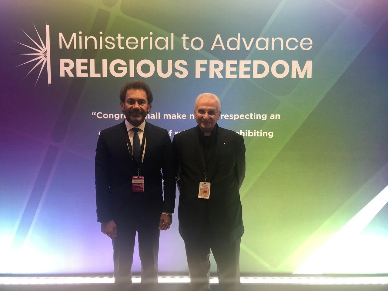 القسيس حبيب بدر في المؤتمر الوزاري لتعزيز الحرّية الدينيّة في واشنطن.jpg