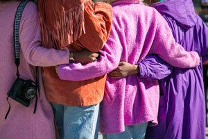 Madickengårdens kontaktpersoner stöttar både praktiskt, socialt och emotionellt utifrån den enskildes behov.
