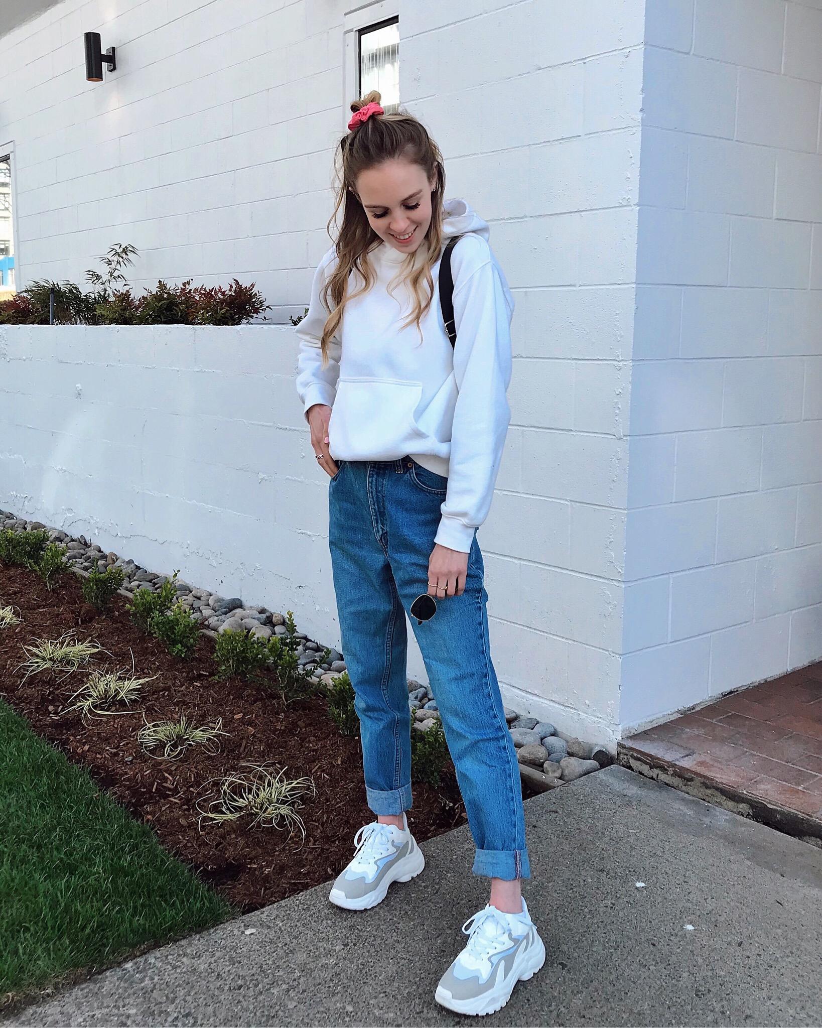 Heather Ungraceful in Aldo Livyan dad sneakers