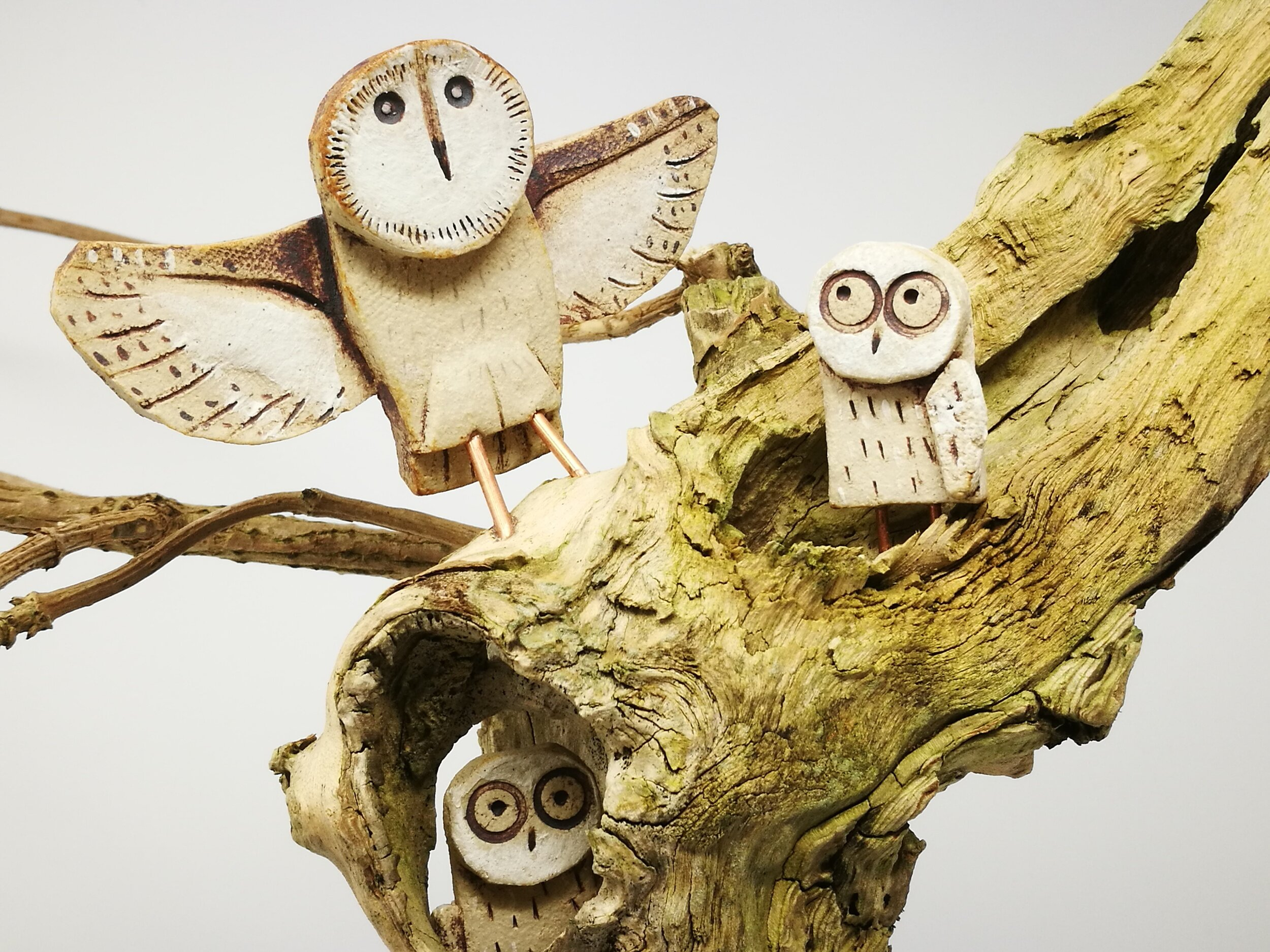 Owl Babies  / Ceramic and upcycled wood sculpture by Tim Warnes. Image © by Tim Warnes 2018
