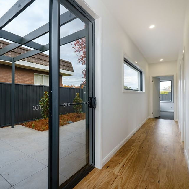 Floorboards  give this home a stunning finish. . . #BorderHomes #NewHomeBuilderNSW #openplan #openplandesign #NewHomesNSW #NewHomeInspo #MasterBuildersNSW #NewHomeBuilderVIC #NewHomesVIC #MasterBuildersVIC #alburywodonga #borderhomes #homebuilder #alburybuilder #wodongabuilder #builder #custombuilder #murrayriver #Localbuilder #qualitybuilder #tradies #qualityhomes #homeinspo #ilovemyhome #happyclients