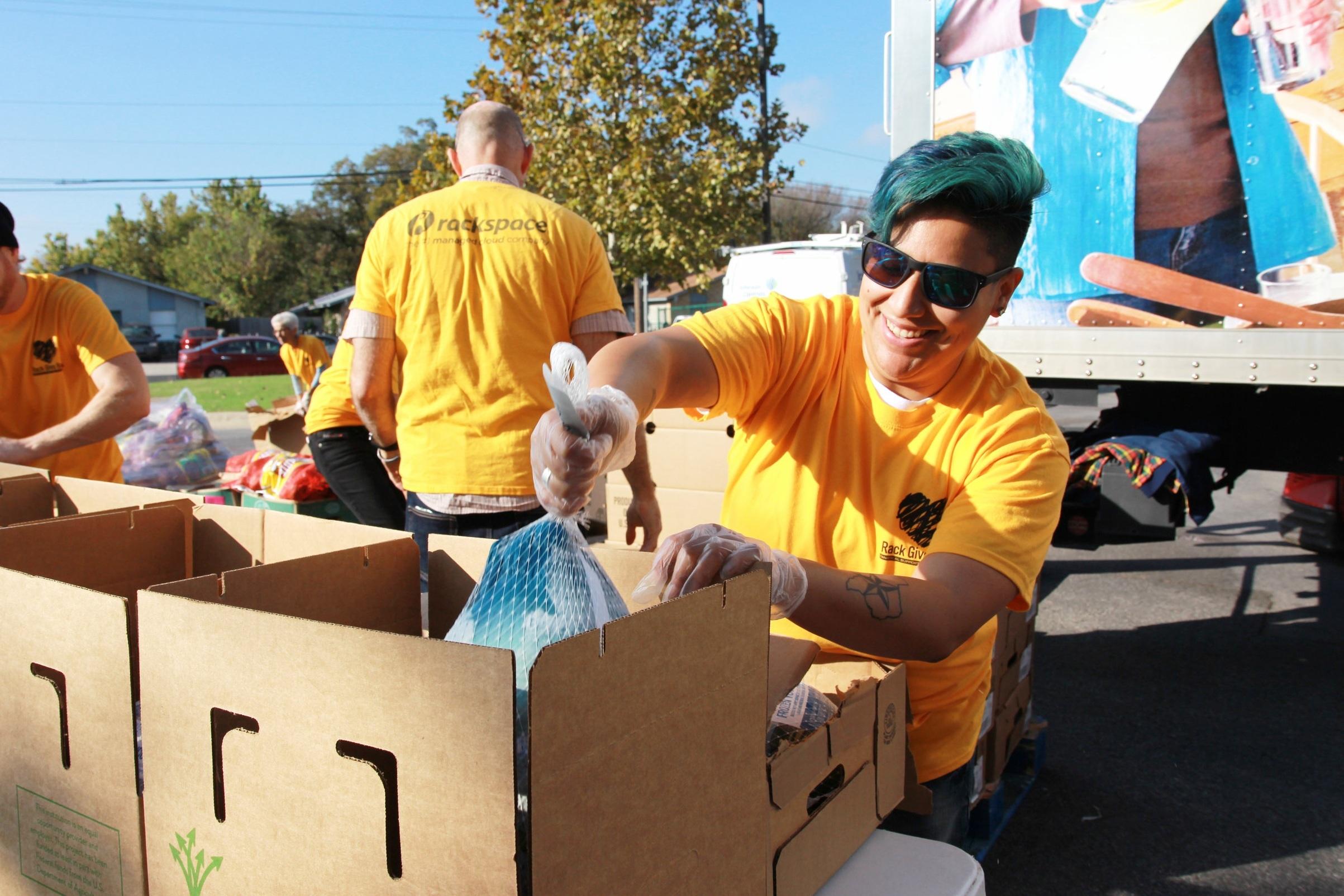 volunteers13.jpg