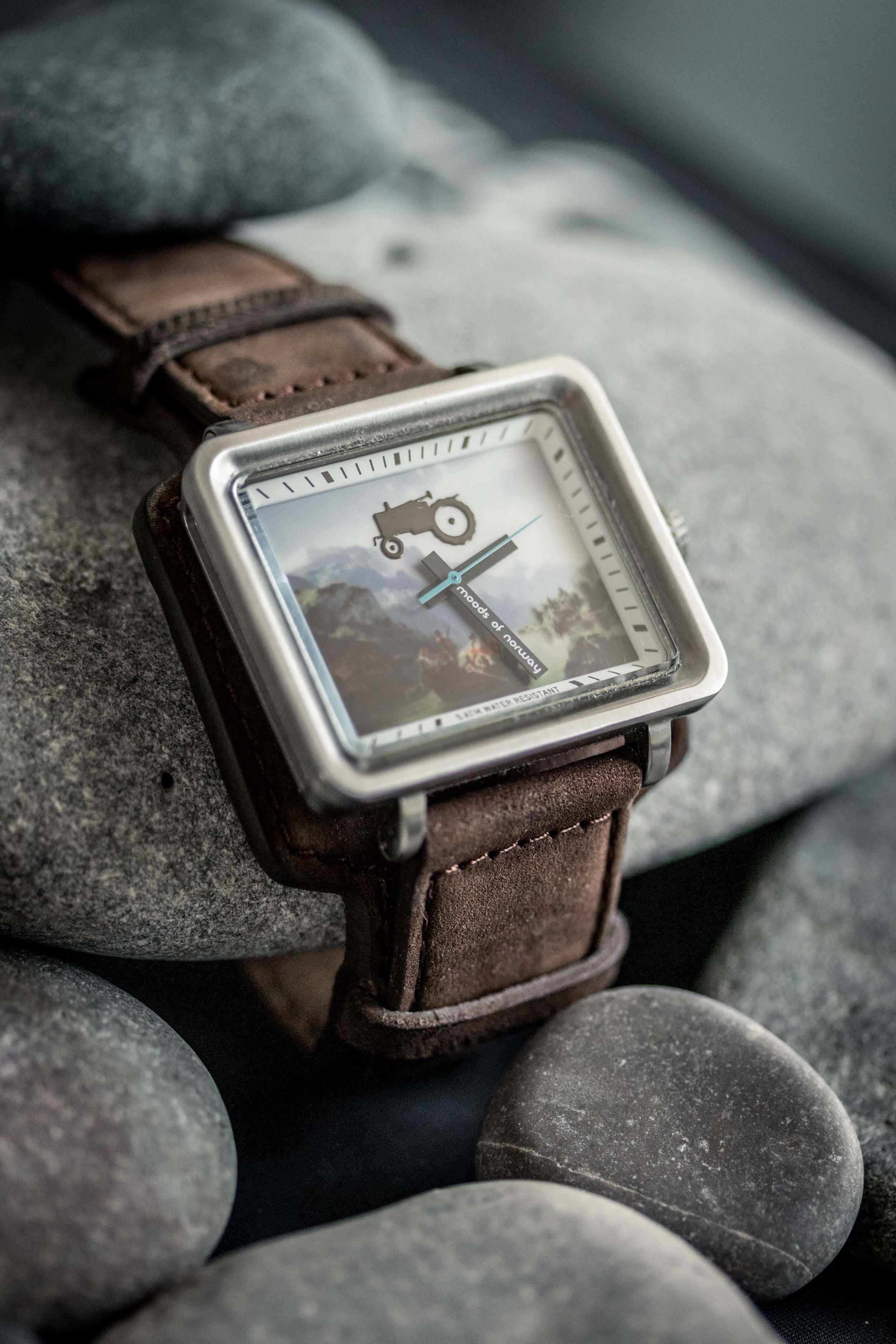 BPP 01 - Wristwatch YT-5.jpg