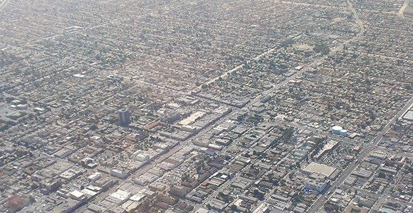 South Los Angeles, California (Photo: Alfred Twu/Wikimedia)