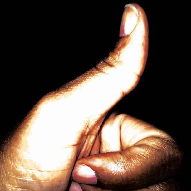 thumbs-up_t20_PoGlQr.jpg
