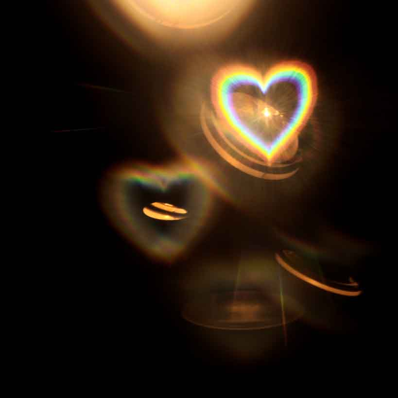 heart-shaped-lights_t20_wN1RGm.jpg