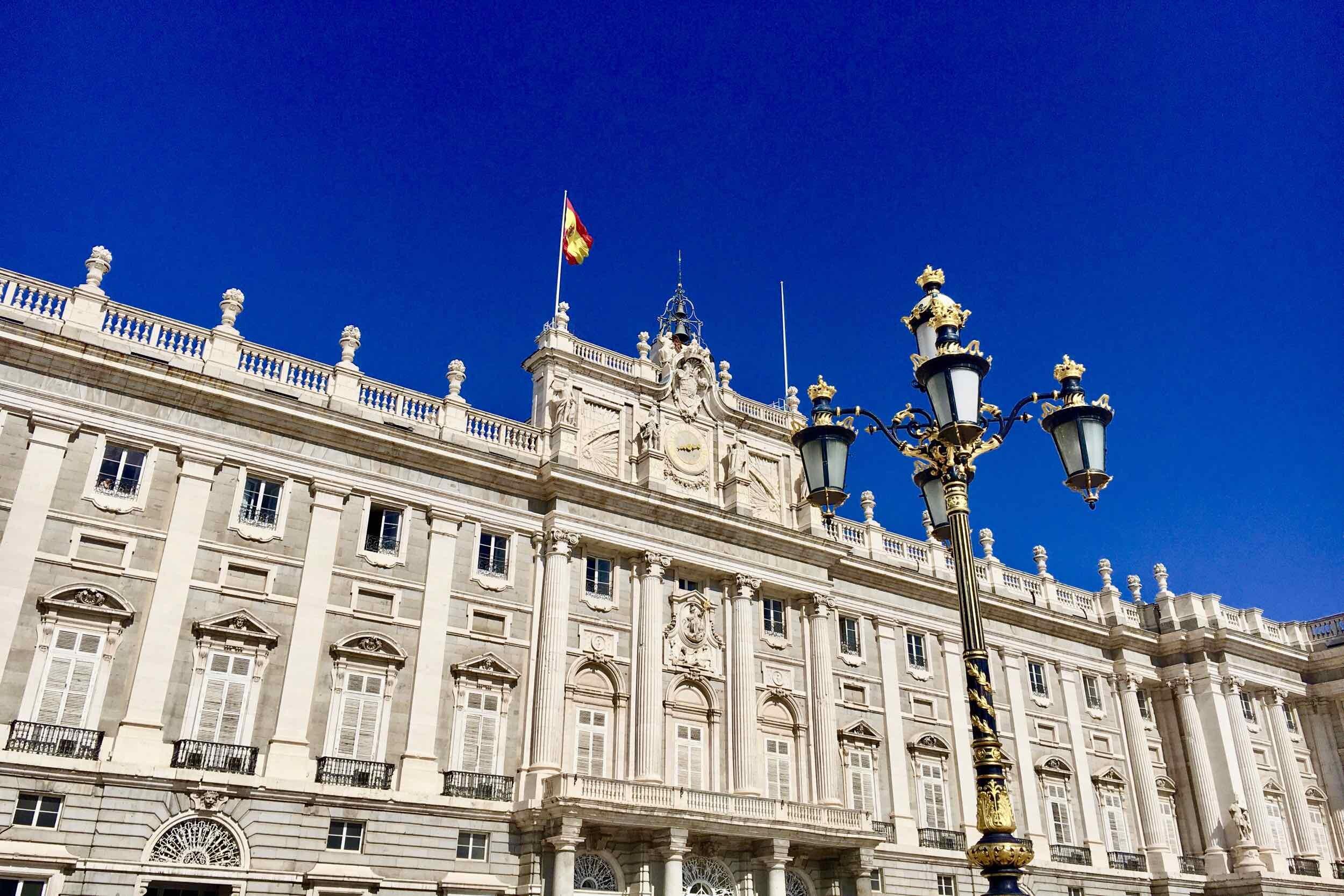hemels-madrid-koninklijk-paleis-facade.jpg