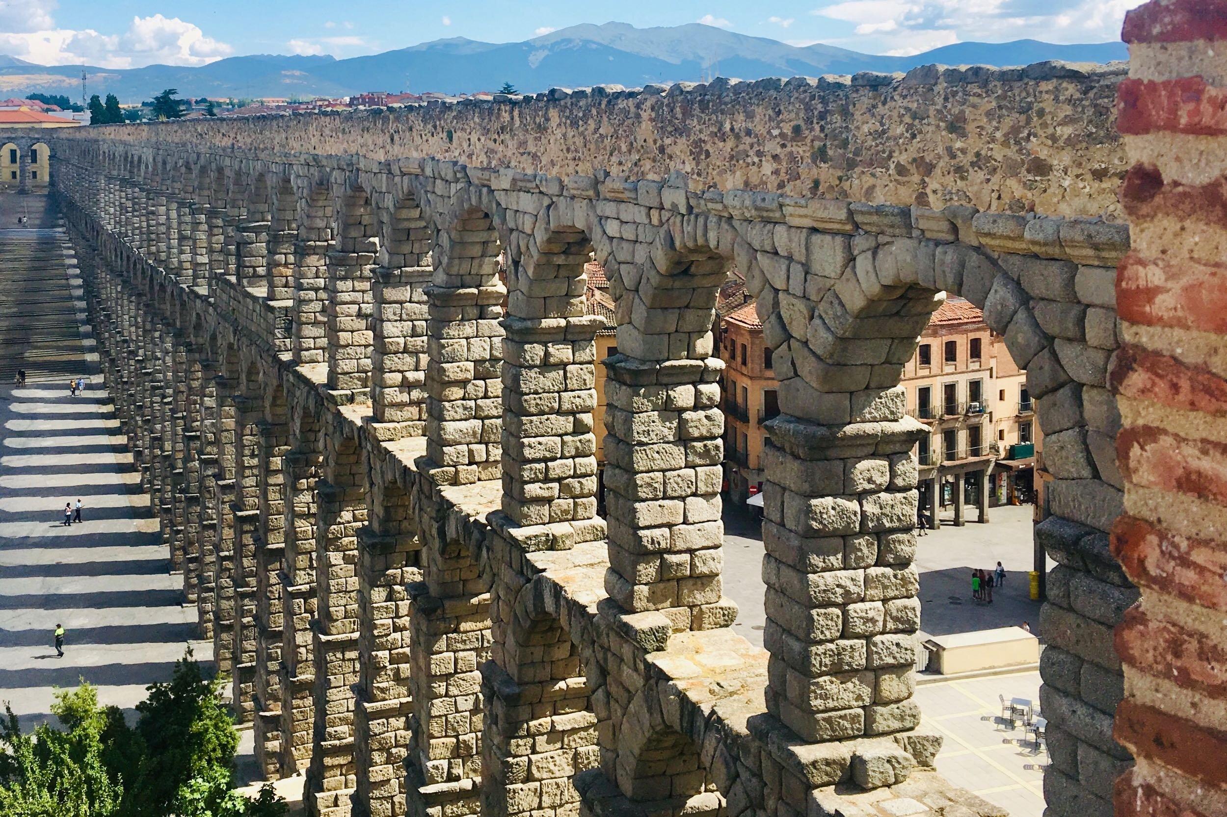 hemels-madrid-segovia-aquaduct.jpg