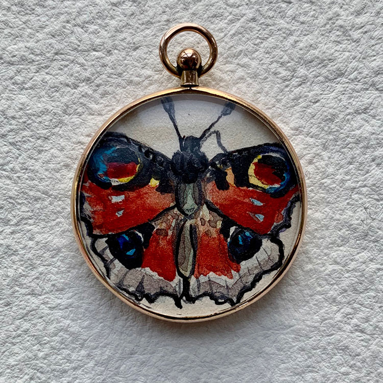 9ct gold hallmarked locket - Peacock butterfly