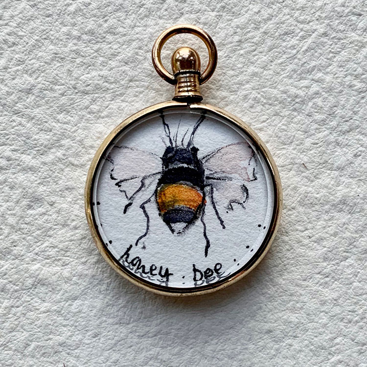 9ct rolled gold locket - Honey Bee