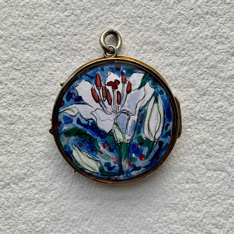 Silver hinged locket - Lilies