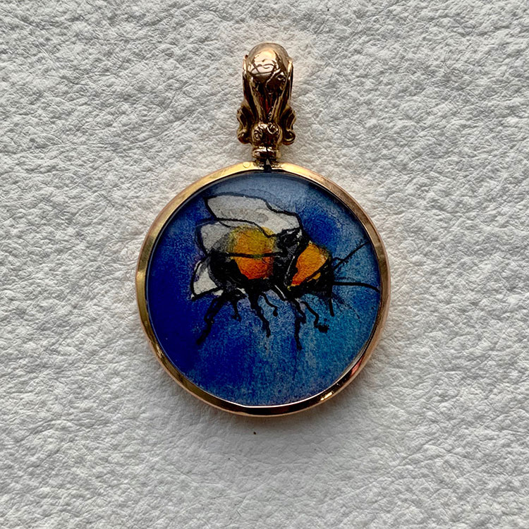 9ct gold locket hlmk Chester  - Cornflower  Bee