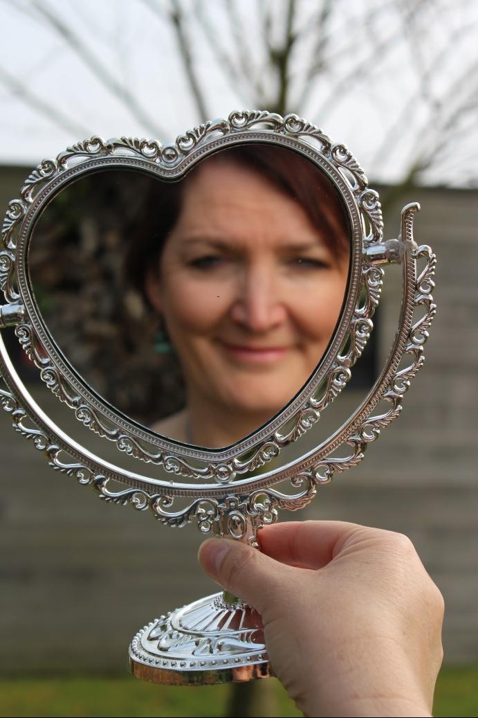 Hoe kijk je naar jezelf in de spiegel?