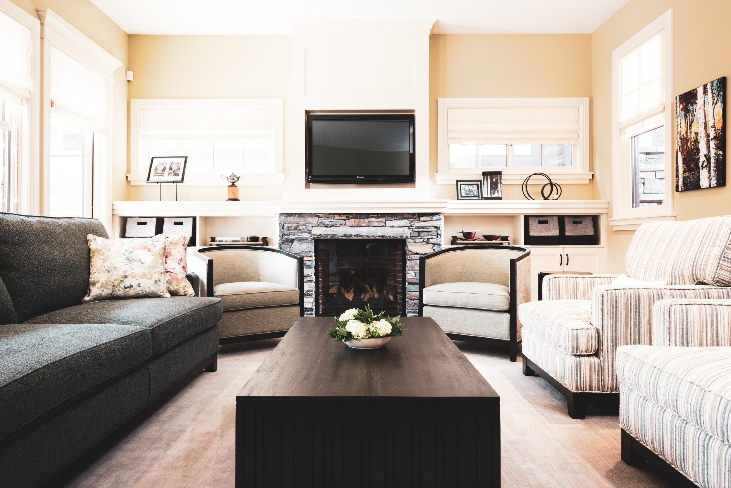 Transitional Living Room 2.jpg