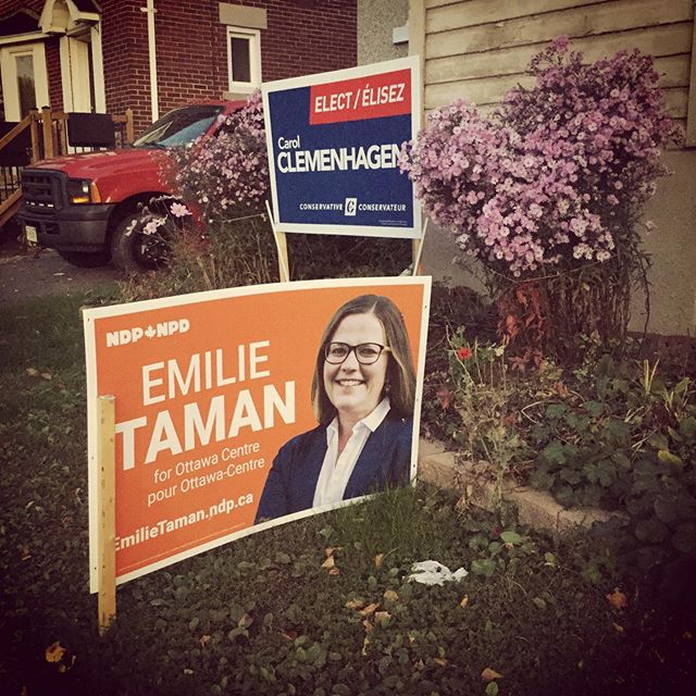 dinner time at this house surely must be interesting, considering that these aren't merely the regular sized lawn signs ;-) #election2019 #ottawacentre