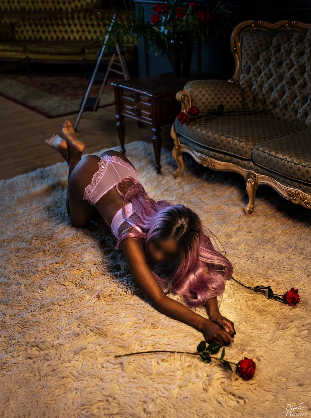 Elizabeth Lorde Upscale Toronto Ebony Companion, Escort, Courtesan